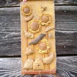 Primitive Burlap Wall Hanging - Sunflowers, Bees Skep and Crow - Cinnamon Stick and Jute Hanger